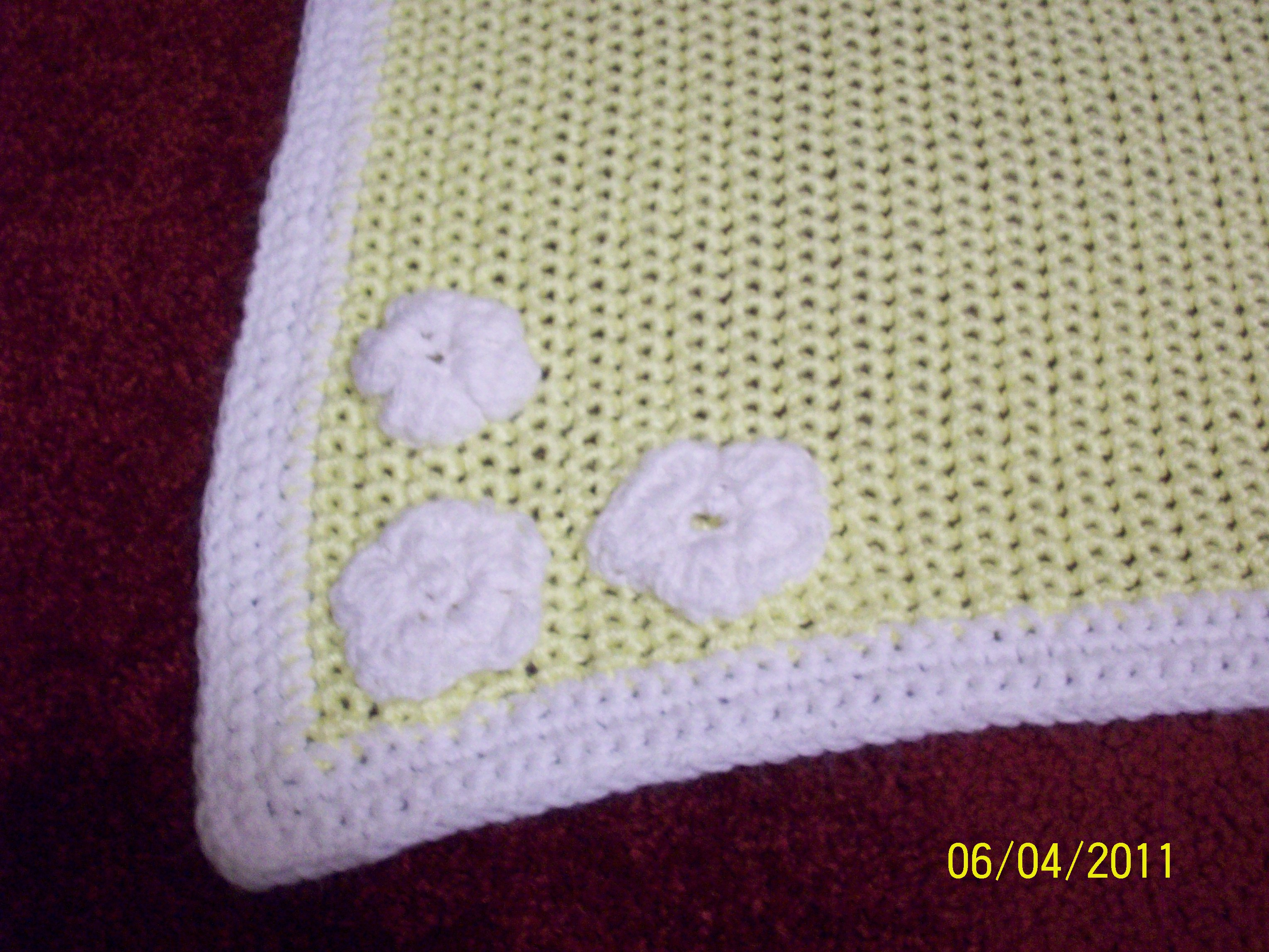 Crocheting For Babies : Crochet Baby Blanket With Flower embellishments